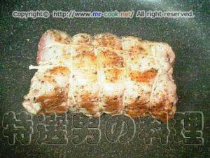 肉の表面を焼く