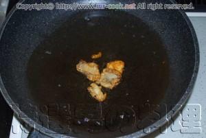 鶏の脂を溶かす