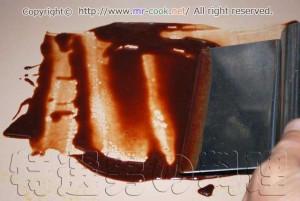 テンパリングしてチョコレートを冷ます