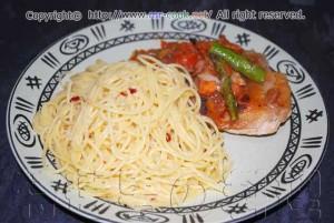 鶏胸肉のポワレ トマトソース