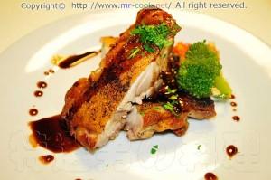 鶏肉のポワレ マデラソース