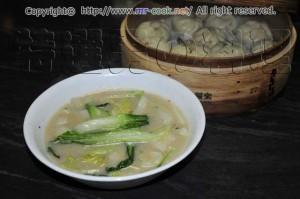 白菜と青梗菜の中華スープ