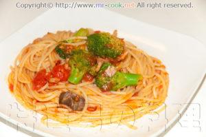 ブロッコリーとトマトのパスタ