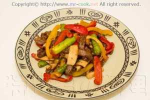 牛肉とパプリカの黒胡椒炒め
