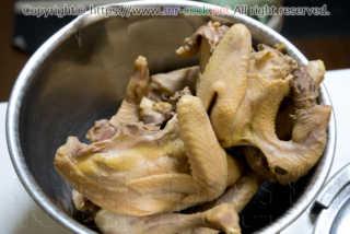 出汁を取った後の丸鶏